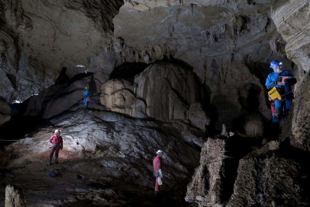 Eksploracja w Jaskini Chanzi Dong - fot. Michał Ciszewski