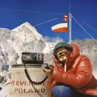 Polska, narodowa wyprawa Mt. Everest'1979/80, która dokona³a pierwszego zimowego wejœcia na ten szczyt. Bogdan Jankowski  rozmawia z bazy z polska ambasada w Kathmandu, z amb. Andrzejem Wawrzyniakiem