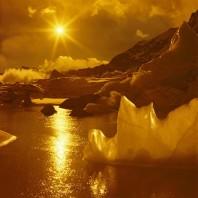 Sunset over the Khumbu Glacier. Polish winter expedition to Mt. Everest, 1979/80. Leader: A. Zawada. Zachod slonca nad lodowcem Khumbu. Pierwsza zimowa, zdobywcza wyprawa na Mt. Everest, 1979/80. Kier. A. Zawada.