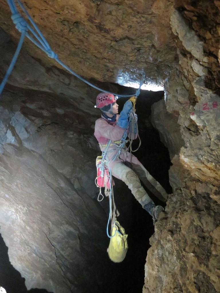 Jaskinia CL-3 - Eksploracja w Studni X - fot. Agata Klewar