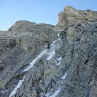 Zanikające pole lodowe przed headwallem