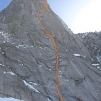 Przebieg drogi z zaznaczonym miejscem zakończenia wspinaczki